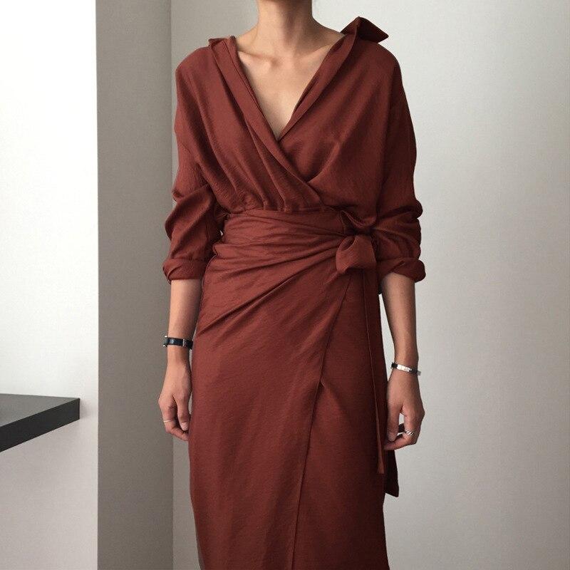 [EAM] 19 New Autumn Winter V-Neck Long Sleeve Waist Bandage Loose Big Size Temperament Dress Women Fashion Tide JU356 7
