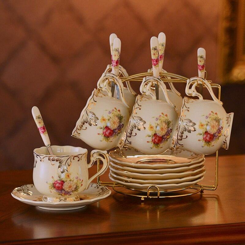 Tasses et soucoupes en céramique Yolife ensemble de tasse à café en porcelaine ivoire ensemble de thé noir britannique après-midi tasse à thé en porcelaine avec cuillère