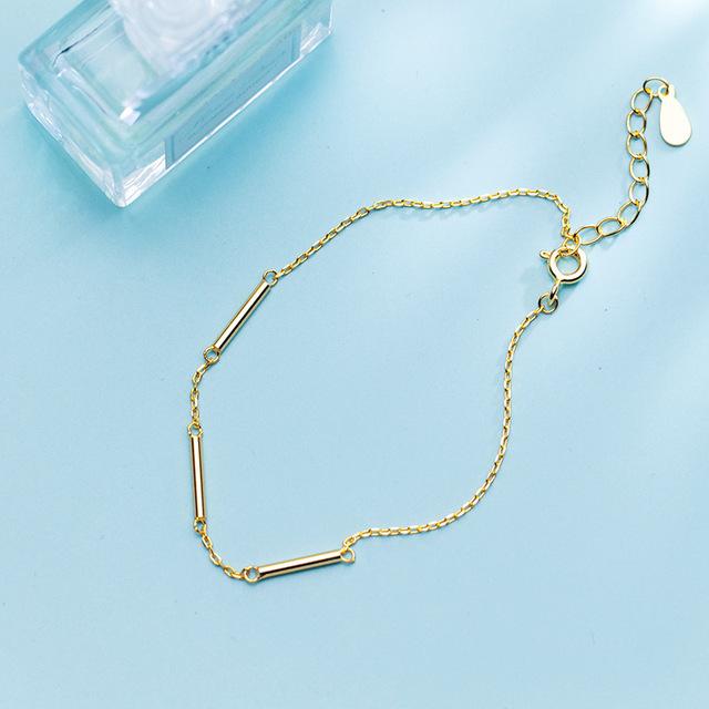Dainty Gold Bar Bracelet