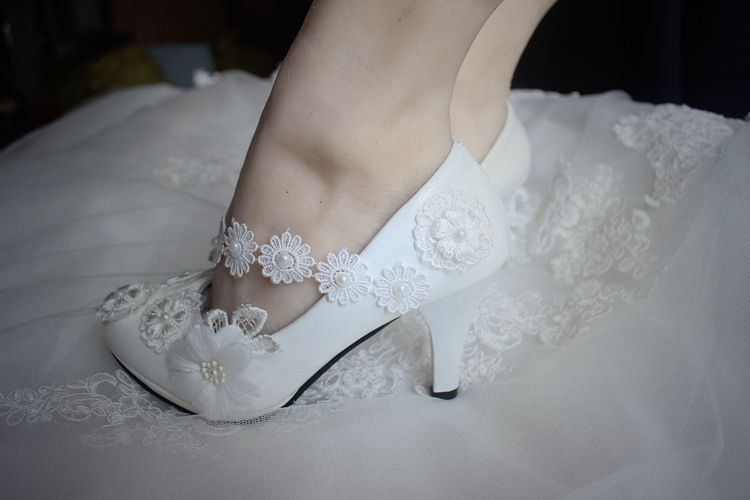 Plus Size High Heels Wedding Shoes Woman Handmade Sweet Lace Flowers Brides  Shoes Lady Female Proms Dress Lace Shoes Womens In Womenu0027s Pumps From Shoes  On ...