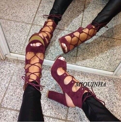 Улучшенный новейших зашнуровать женщин насосы peep toe выдалбливают коренастый высокий каблук сандалии партия мода изящные туфли