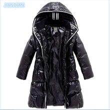 Новинка 2017 года, модные зимние пальто для девочек, детские пуховики для девочек, верхняя одежда, блестящие непромокаемые толстые парки средней длины на 90% утином пуху