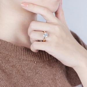 Image 4 - Transgems 14K 585 שני טון זהב Moissanite אירוסין טבעת לנשים מרכז 2ct 8mm F צבע Moissanite זהב טבעת עם מבטא
