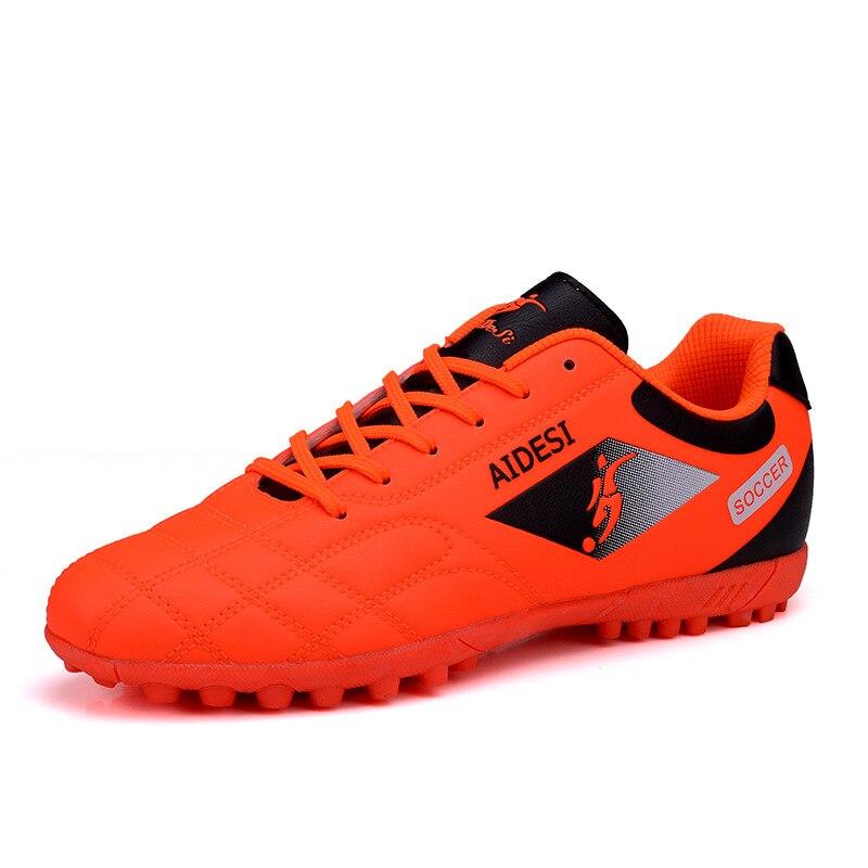 ZHENZU Futebol 2018 Crianças Chuteiras de Futebol Relvado de Futebol Sapatos  para Homens Sapatos De Couro 881f74b97fe9e