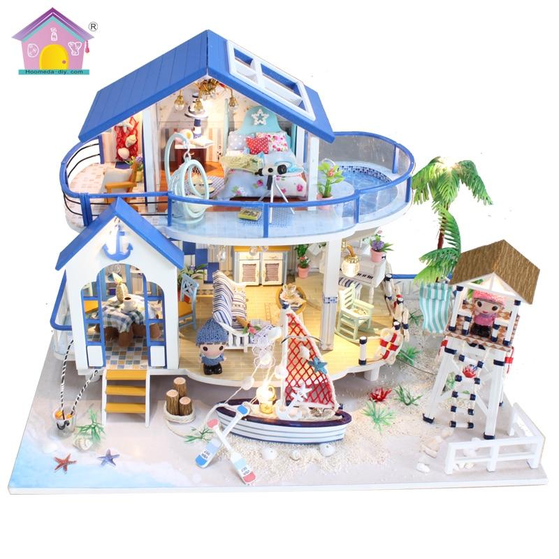 Hoomeda Nuovo arrivo In Miniatura Casa di Bambola di Legno Con Mobili FAI DA TE Agitarsi Giocattoli Per I Bambini I Bambini Regalo Di Compleanno Casa Mare 13844