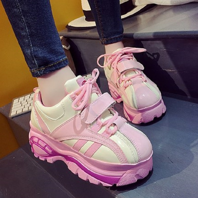 купить 2018 new spring Korean version of the ugly adorable shoes female students wild car shoes girl platform cake thick women's shoes недорого