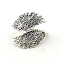 Compatible With Pandora Jewelry 925 Sterling Silver Rings For Women Majestic Feathers Silver Ring With Clear