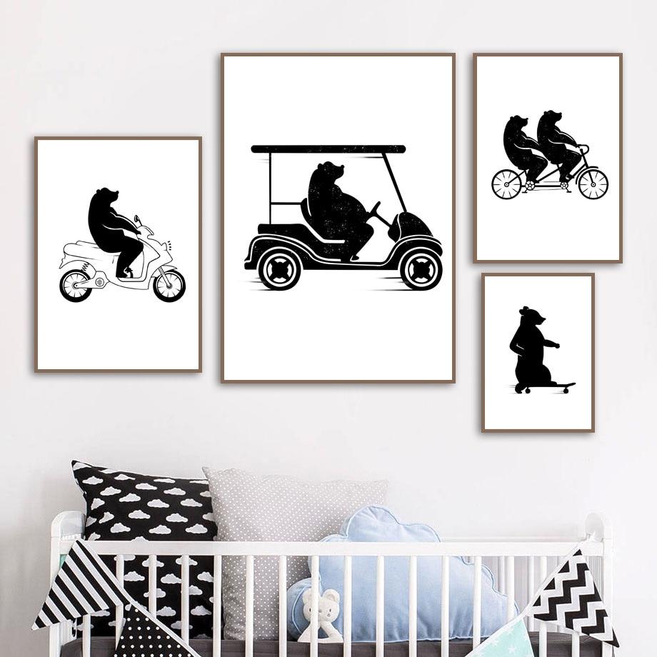Kartun Hitam Putih Beruang Sepeda Motor Mobil Golf Nordic Poster