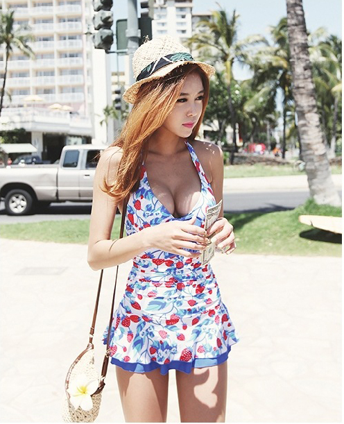 Summer New Women One Piece Swimming Suit Strawberry Printed Ruffle Halter Strappy Back Bathing Suits Mini Skirt Swimwear fashionable strappy printed cut out one piece swimsuit for women