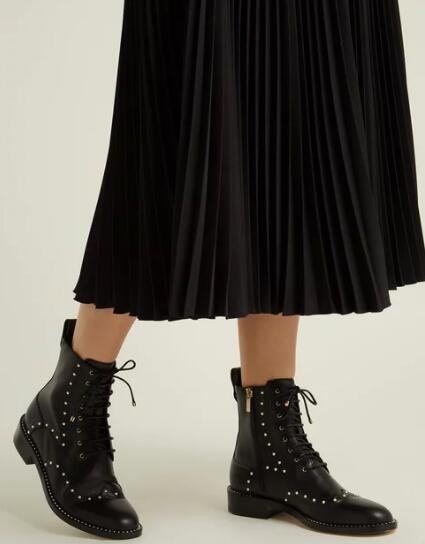 Sestito 2019 Women Solid Black Square Low Heels Ankle Boots With Pearls Lady Round Toe Martin Boots Girls Lace-up Short BootsSestito 2019 Women Solid Black Square Low Heels Ankle Boots With Pearls Lady Round Toe Martin Boots Girls Lace-up Short Boots