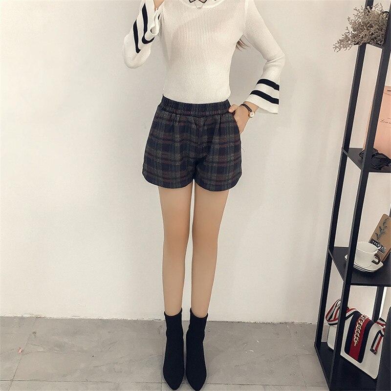 2019 new autumn winter women short pants bermuda feminina designer brand jeans 4XL large size plaid pants woolen clothing YH104