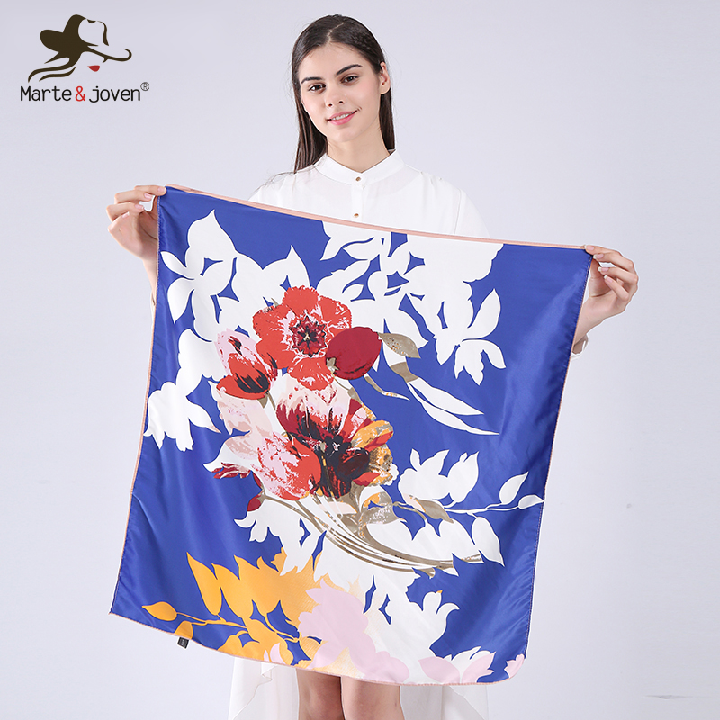 Marte & Joven Fashion Mini Square Rayon Květinový šátek pro ženy Krásný Bandana Kapesník Jaro Lady Nejlepší Neckerchief