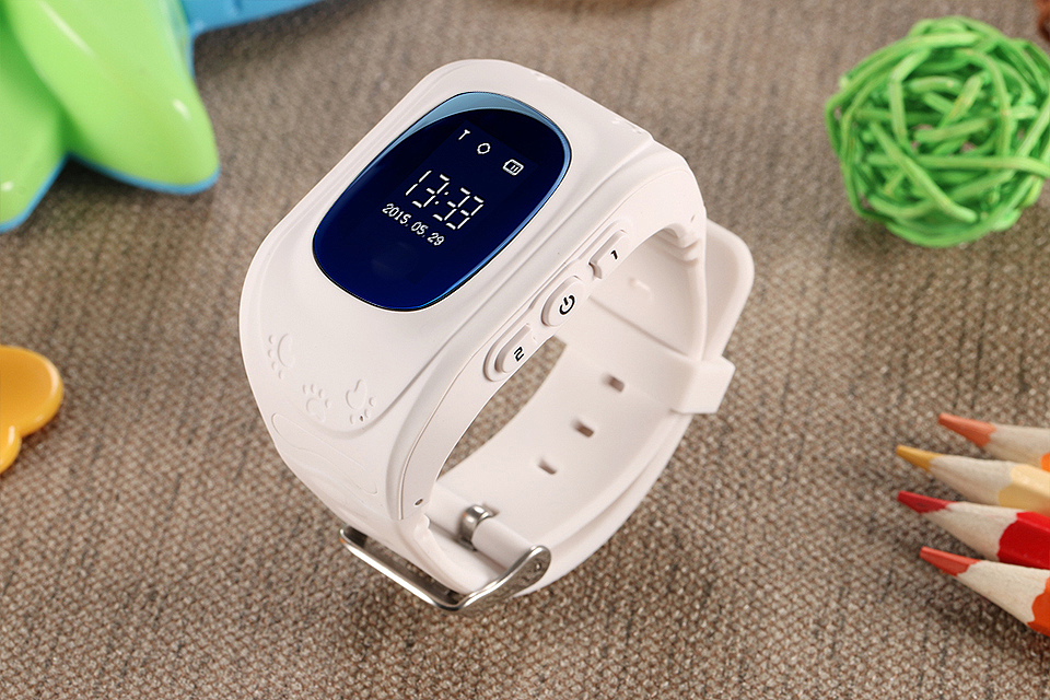 children watch phone  smartwatch kids
