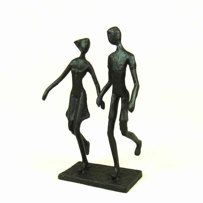 Kissing Couple Heart Ornament Cast Iron Sculpture Ornament Figurine 16cm New