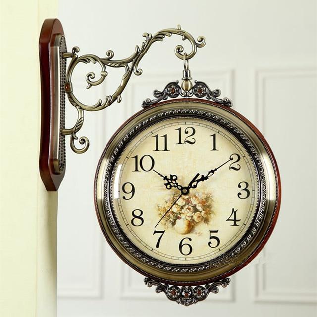 5057aa5cf الخشب المعادن 2 وجه ساعة حائط الممر الرجعية شنقا ووتش الأوروبية كبير  الكوارتز الزفاف هدية عيد