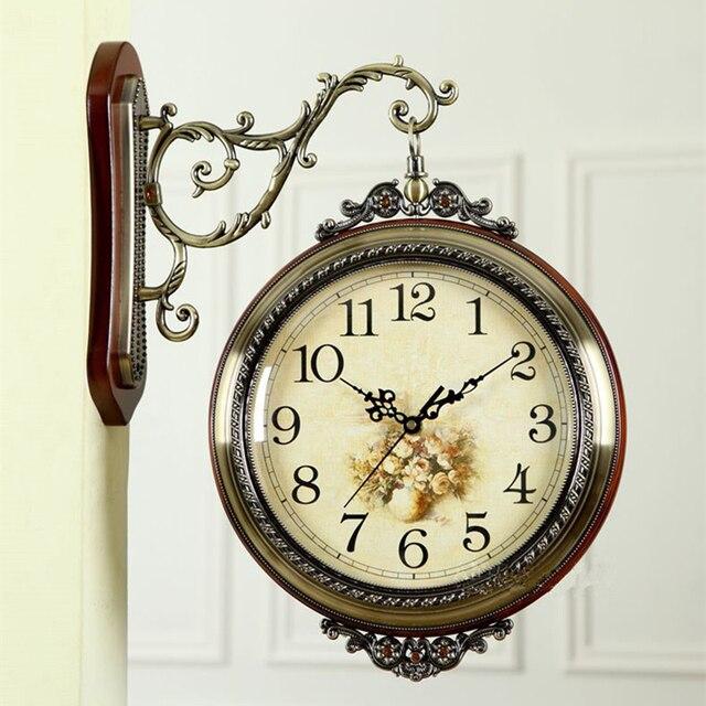 65272b64c5d Madeira-2-face do Relógio De Parede de metal Corredor Retro Pendurado Relógio  Europeu