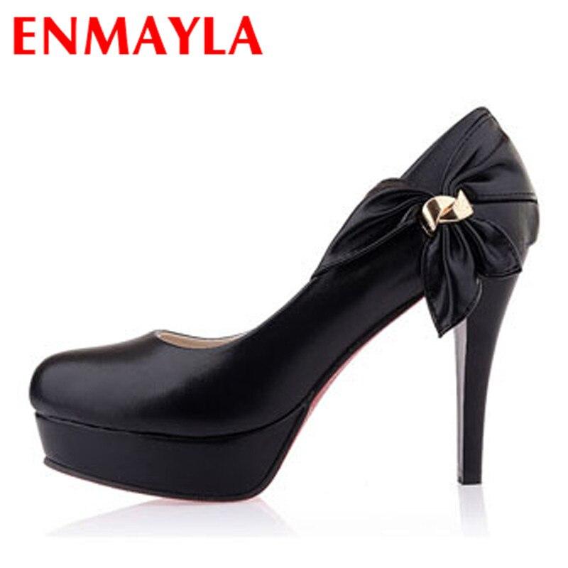 Ladies Black Slip On Shoes Round Toe
