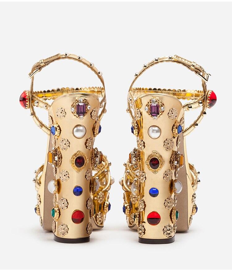 Золото изогнутые кожаный блочный каблук Стразы Украшенные босоножки на высоком каблуке; летняя дизайнерская женская обувь - 3
