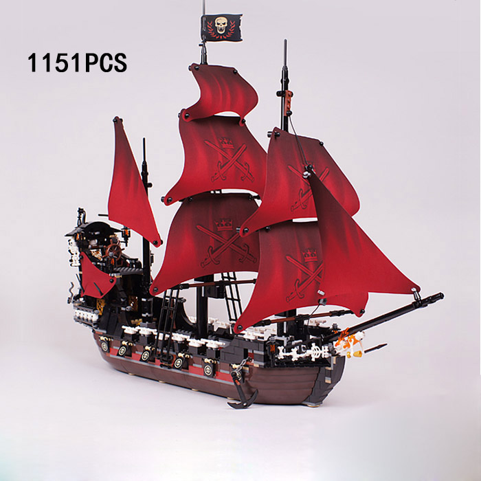 Classic movie Caribbean Pirates queen anne revenge ship building block Captain Jack Blackbeard figures brick 4195 toyscollection compatible with lego 4195 models building toy 39008 1222pcs queen anne s revenge pirates of caribbean building blocks