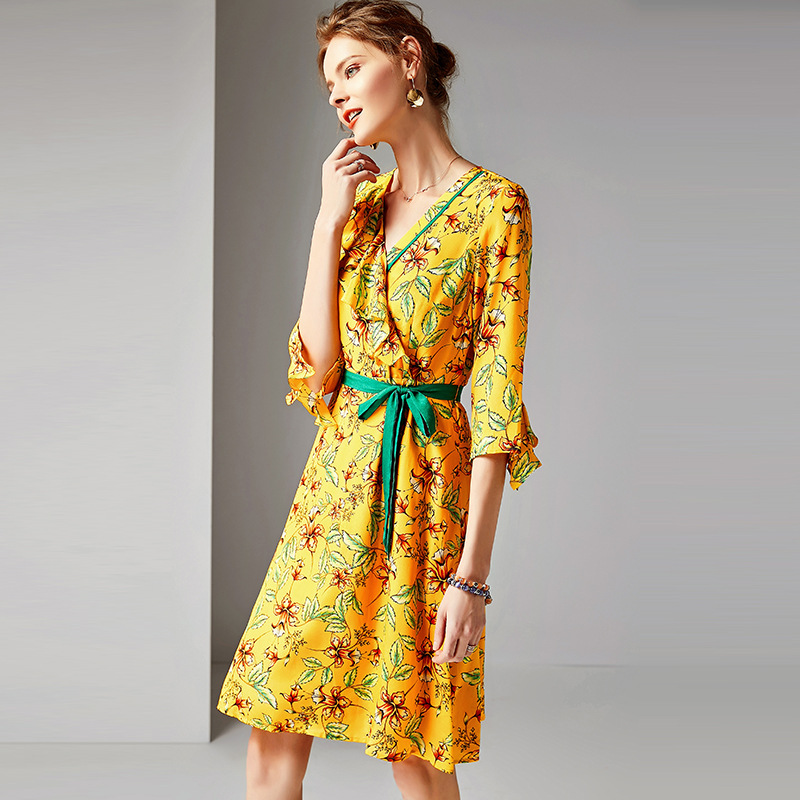 Femmes Du Jaune 2019 D'été Élégante Trois Tenue Décontractée 100Réel Robe Supérieure Dehors V De Qualité Col Manches Trimestre Soie Printng En SqMVUzp