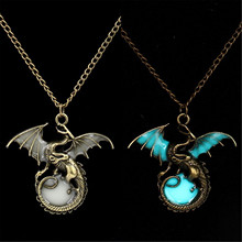 Game of Throne Dragon Punk Luminous Dragon Pendants & Necklaces Glow in the Dark Amulet Sweater Chain Gift Ancient Fashion 2017(China)