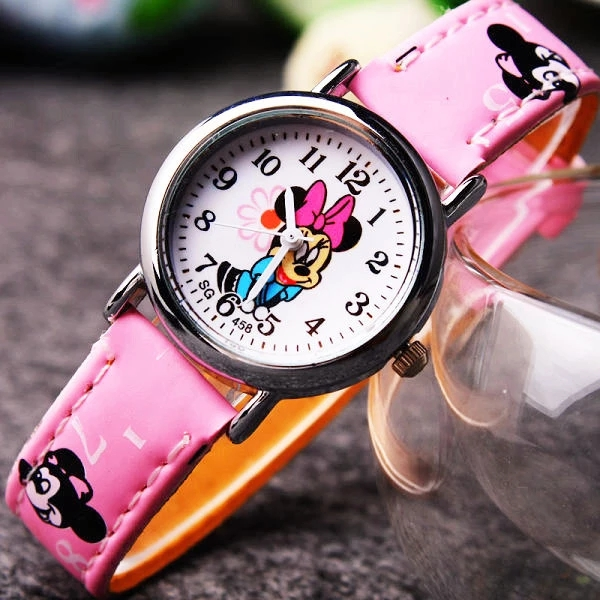 A New Mini - Style Quartz Watch With A Cute, Trendy Strap