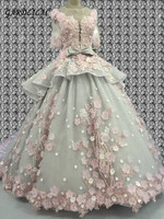 New Luxurious Ball Gown Quinceanera Dresses 2019 Half Sleeve Sweeth 16 Dresses with Hand Flower Long Prom Gown for 15 Years