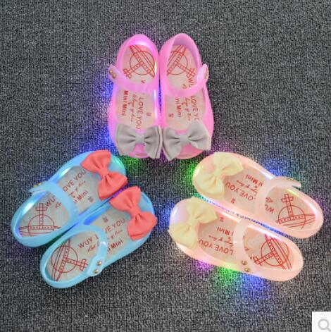 2017 new children's shoes LED lighting fashion girls sandals jelly fish head sandals size 24-29