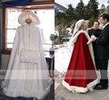 Barato Capa De Noiva Marfim Casamento Impressionante Cloaks com Capuz com Faux Guarnição de pele Vermelho Branco Perfeito Para O Inverno Longo Wraps Jacket 2016