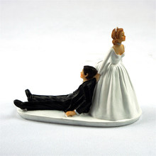 """Runaway Groom"" Interesting Bride and Groom Toppers Couple Figurine Wedding Funny Cake Topper for Wedding Cake Decoration"