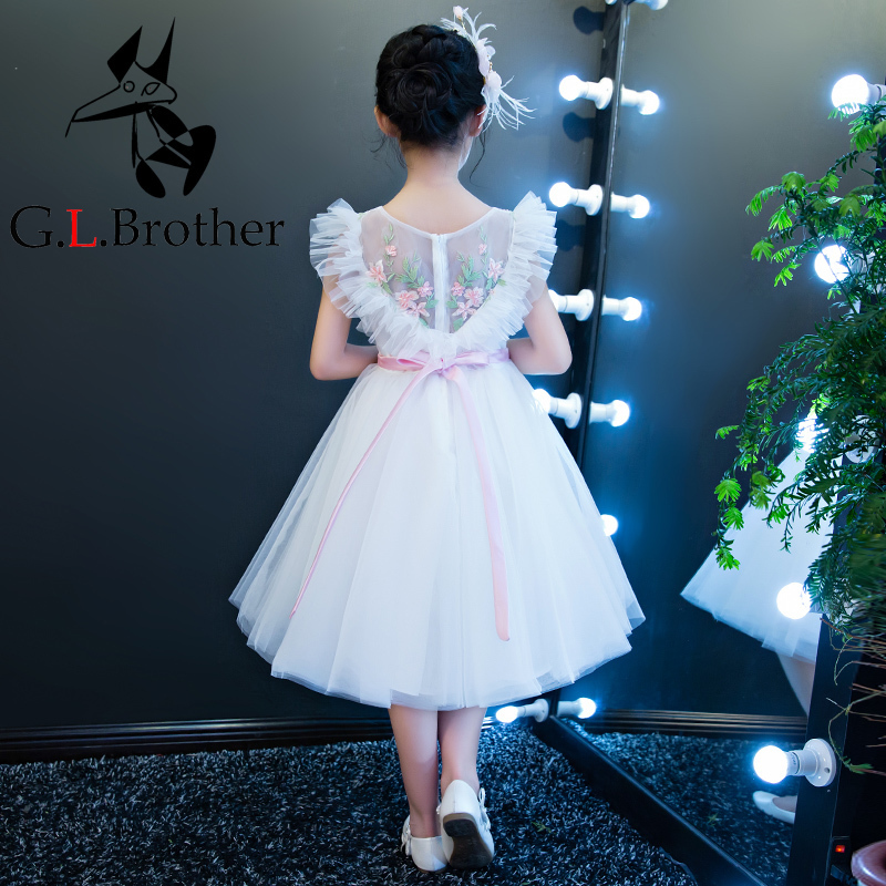купить Luxury Princess Dress 2018 Ball Gown Flower Girls Dresses V-neck Holy Communion Dress Kids Pageant For Wedding Party Dress D145 по цене 4351.16 рублей
