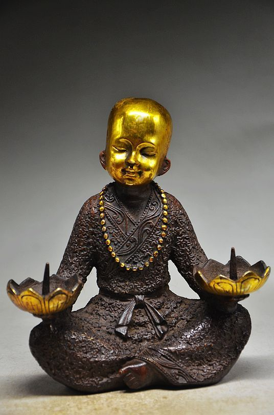 COLLECTIBLE CHINESE COPPER GILT HANDMADE BUDDHIST MONK CANDLESTICKCOLLECTIBLE CHINESE COPPER GILT HANDMADE BUDDHIST MONK CANDLESTICK