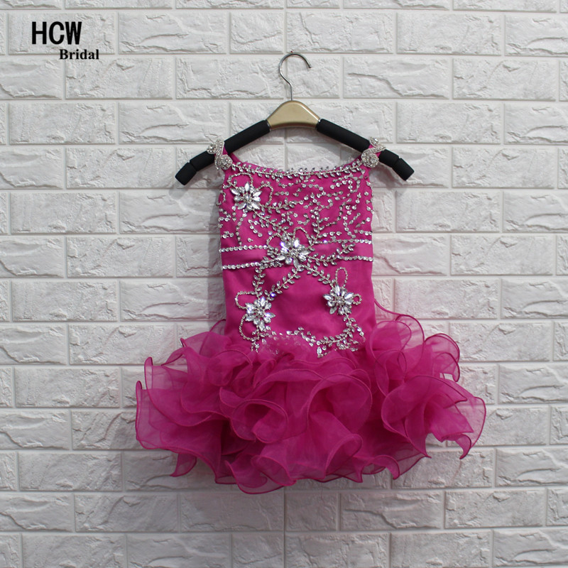 Bling Short Flower Girl Kleid 2019 Chic Perlen Kristalle Rüschen Pink Junior Party Kleider Günstige Little Flower Girl Kleider