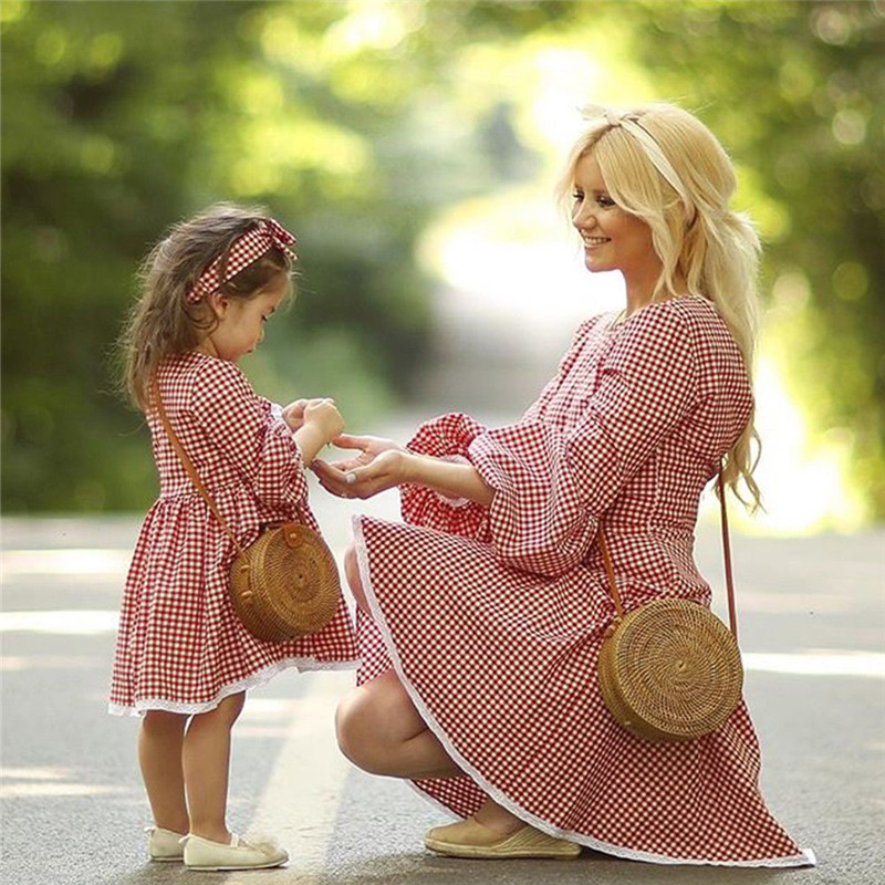 Christmas-Mother-daughter-dresses-Mom-and-me-Women-kids-girl-Cute-checkerboard-dress-elegant-Xmas-party (1)