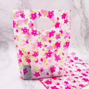 100 шт./лот 15*20 см ярко-розовый цветок пластиковые подарочные пакеты с ручками пластиковая упаковка для мини ювелирных изделий Рождественски...