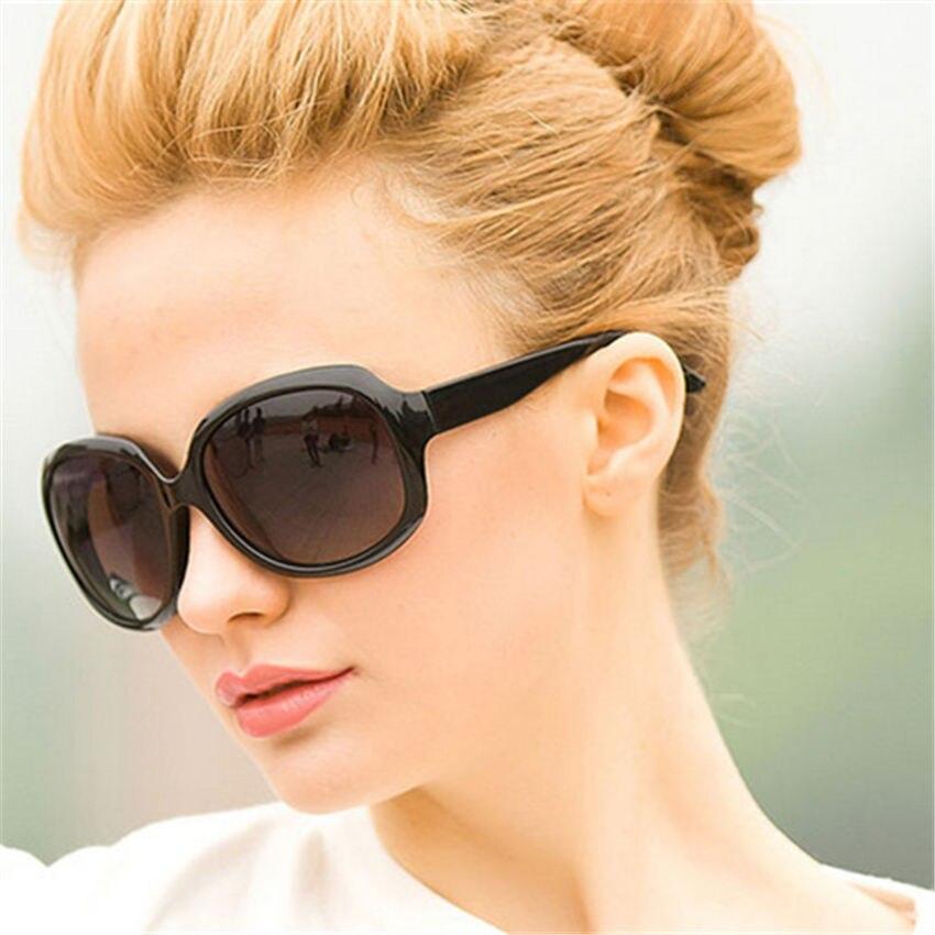 Модные солнцезащитные очки для женщин