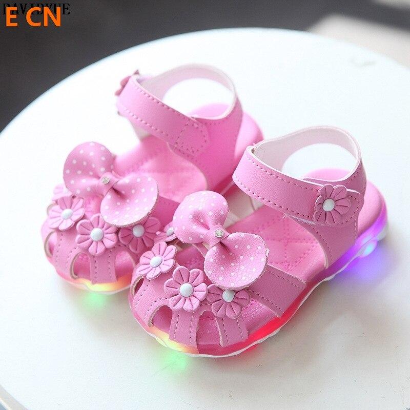 E CN brand Kids Sandals Princess girls baby led summer sandals  luminous lighting  fist walk beach sandals girls slipper shoes