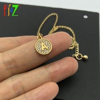 c6c80ee0d670 F J4Z nuevo alfabeto colgantes de oro Mini cobre 26 letras collares  brillantes de cristal de circón de moneda inicial collares
