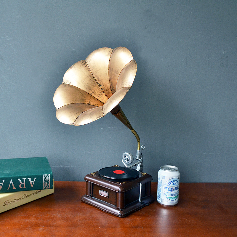 Metal Vintage Gramophone Sculpture/statue Vintage Record Player Model Home, Office, Club Bar, Loft Decorations/Home DecorationMetal Vintage Gramophone Sculpture/statue Vintage Record Player Model Home, Office, Club Bar, Loft Decorations/Home Decoration