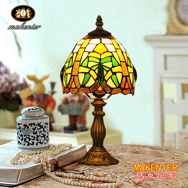 Makenier Vintage Tiffany Style Stained Glass Bedroom Bedside Corner Table  Desk Small Lamp, 7 Inches