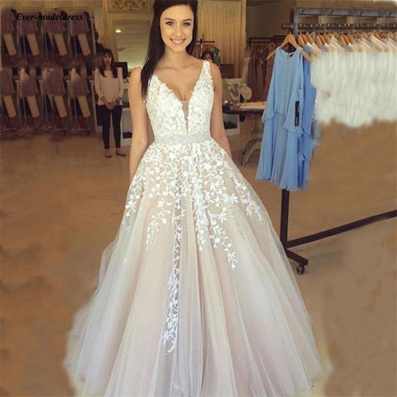 Light Champagne Tulle Wedding Dresses V-Neck Lace Appliques Backless Country Bridal Gowns A-Line vestido de noiva 2019