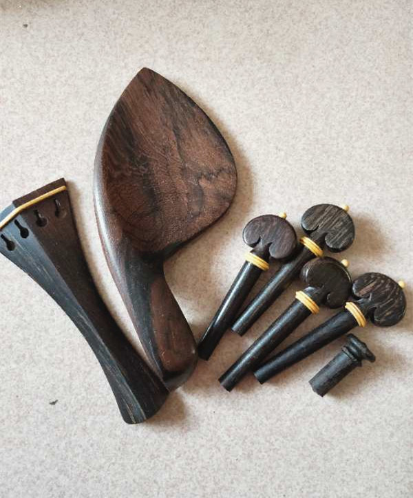 1 Sets Of Beautiful High Quality Rosewood Violin Accessories 4/4