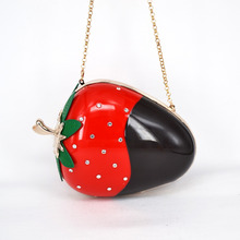 strawberry shape hard cased woman fashion clutch bag evening clutch handbag purses with Chain Personality fruit evening bag SA32