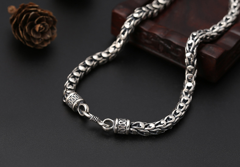 silver-necklace003d