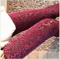 new 2016 spring new extravagance pattern gold velvet leggings nine points Hollow lace flower