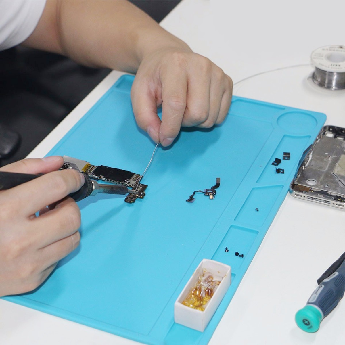 23x34cm Heat-resistant  Soldering Repair Insulation Pad Maintenance Platform  Heat Insulation Silicone Pad