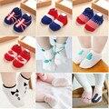 2 Pares de Meias Bebê Infantil Slipers Piso Meias de Algodão 0-2A Crianças Bebe Meninos Meninas Crianças Dos Desenhos Animados Animal Bonito Bandeira Não-slip Sock