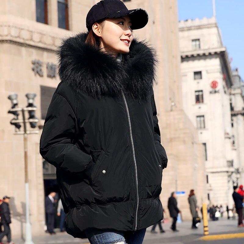 Rivestimento di Inverno delle donne 2018 di Nuovo Modo Bianco Anatra Cappotti sportivi E Giubbotti Parka Caldo Con Grande Pelliccia di Procione Con Cappuccio Femminile cappotto