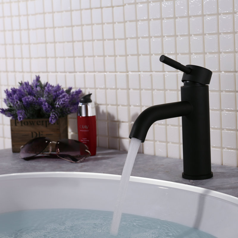 New Kitchen Faucet Black stainless steel 360 Degree Hot and Cold Kitchen Water Tap Mixer Sink Rotation with Aerator