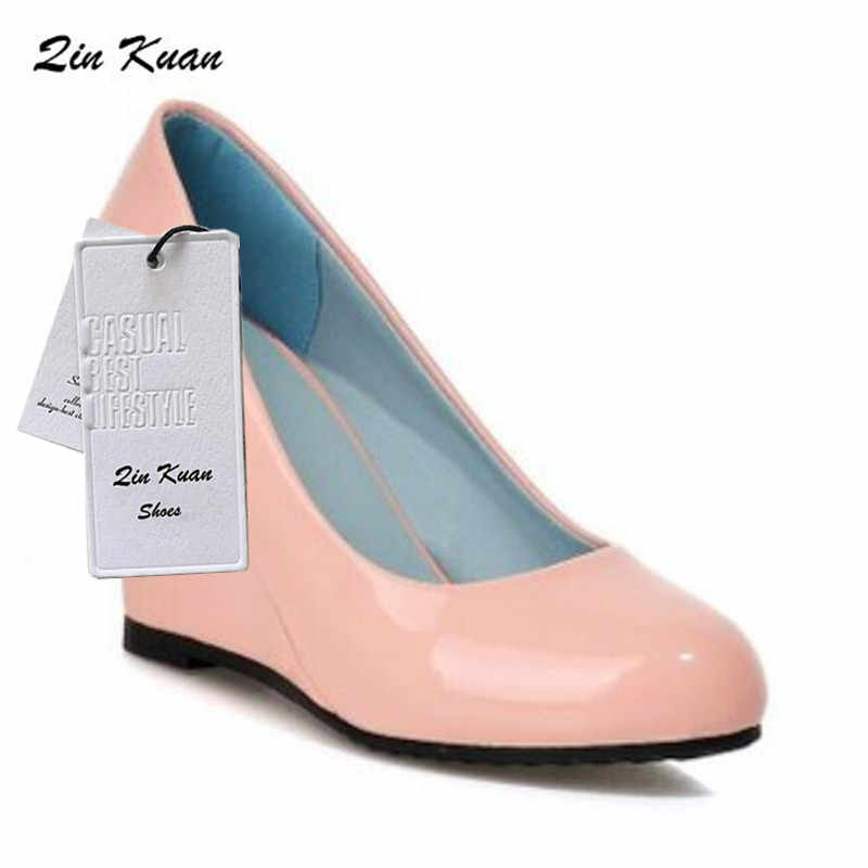 XingDeng kadın moda zarif yuvarlak ayak parti yüksek topuk ayakkabı bayanlar tatlı kama Patent Pu deri pompaları boyutu 34- 39 QKP0162B